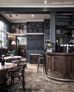 Hillgate pub BelleAnnee