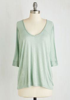 Keep on Food Truckin' Top. Take a break from midday errands to get some snackage from your favorite food truck adorned in this fluttering heathered top. #green #modcloth