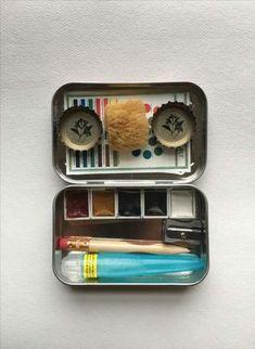 Mini watercolor kit in a altoids tin travel art in 2019 акварель, художеств Watercolor Pallet, Watercolor Kit, Watercolor Paintings, Watercolors, Altoids Tins, Vintage Design, Art Techniques, Art Tutorials, Art Supplies