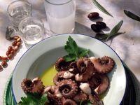 Oktopus in Wein-Tomaten-Sauce ist ein Rezept mit frischen Zutaten aus der Kategorie Kochen. Probieren Sie dieses und weitere Rezepte von EAT SMARTER!