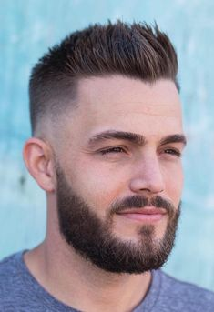 Beard Styles Subtle Widow Peak with Tapered Sides - With classy spiked hair and a matte finish, this Mens Hairstyles Widows Peak, Mens Hairstyles Round Face, Latest Men Hairstyles, Quiff Hairstyles, Cool Hairstyles For Men, Haircuts For Men, Men Haircut Short, Men Hairstyle Short, Mens Spiked Hairstyles