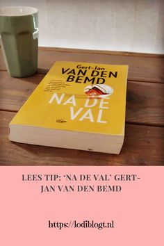 """'Na de val', is het tweede boek van Gert-Jan van den Bemd. Een spannend boek die je vanaf bladzijde een pakt en niet meer los laat. Meteen wil je meer weten en blijf je lezen. De hoofdrolspeler in het boek """"Sofie"""", wordt een vriendin en neemt je mee in haar verhaal dat je niet loslaat. Van, Tips, Blog, Blogging, Vans, Counseling, Vans Outfit"""