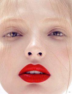 heavy lip + naked eye