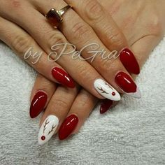 Semi-permanent varnish, false nails, patches: which manicure to choose? - My Nails Nail Art Halloween, Xmas Nail Art, Cute Christmas Nails, Christmas Nail Art Designs, Xmas Nails, Winter Nail Art, Holiday Nails, Winter Nails, Manicure