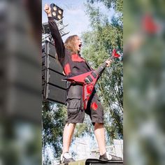 #gitarrist #guitarist #guitarplayer #band #neorize #playing #live #onstage #openair #festival #concert #konzert #liveshow #show #livemusic #music #concertphotography #musicphotography #action #guitar #gitarre #rocknroll #rockstar