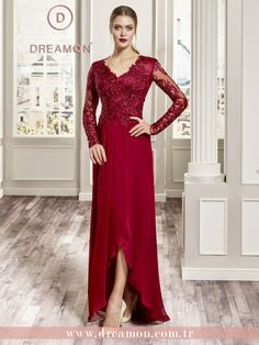 Abiye modeli: Amy DreamON Rock That Night koleksiyonu şık ve iddialı abiye modellerinden Amy, büyük beden alternatifleriyle tüm DreamON mağazalarında. www.dreamon.com.tr #dreamon #gelinlik #style #rockthatnight #koleksiyon #gelinlikmodelleri #nisanlık #mağaza #truelove #wedding #abiye #dreamongelini #abiyemodelleri #fairytale #amy #claret #happy #design #couture #dreamonplaza #gaziantep #ankara #allaround