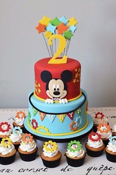 tortas de mickey mouse bebe dos pisos