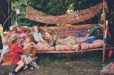 """Vogue UK October 2005, """"Crowd Pleaser"""""""