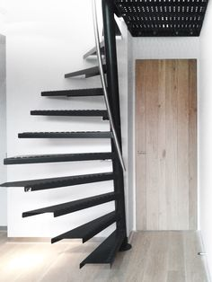 7 Simple and Modern Ideas: Modern Attic Stairs attic conversion apartment.Attic Remodel How To Build. Attic Staircase, Loft Stairs, Attic Ladder, Staircase Design, Spiral Staircase, Attic Renovation, Attic Remodel, Standard Staircase, Attic Doors