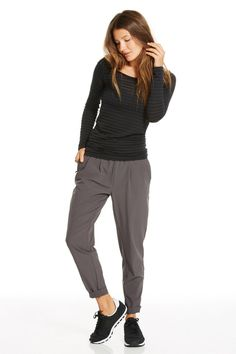 Fabletics LS II Scoop Neck Long Sleeve Stripe Tee T Shirt Top in Black, Size L