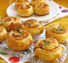 Rolls of Pastry with Ham. Rolls of pastry with ham Best Appetizers, Appetizer Recipes, Ham Rolls, Puff Pastry Recipes, Fabulous Foods, Meat Recipes, Finger Foods, Foodies, Yummy Food