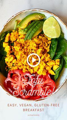 Delicious vegan tofu scramble – a wonderful dairy-free scrambled eggs alternative perfect for a high protein, dairy-free, gluten-free healthy vegan breakfast. Plus, learn how to make tofu at home. High Protein Vegan Recipes, Tasty Vegetarian Recipes, Vegan Dinner Recipes, Vegan Dinners, Vegan Recipes Easy, Scrambled Tofu Recipe, Scrambled Eggs, Deviled Eggs, Vegan Recipes Videos