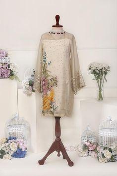 Simple Pakistani Dresses, Pakistani Dress Design, Pakistani Suits, Girls Dresses Sewing, Stylish Dresses For Girls, Simple Kurti Designs, Kurta Designs Women, Dress Neck Designs, Designs For Dresses