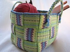 A Tisket, A Tasket, Weave an Inkle Basket (inkled pink) Inkle Weaving Patterns, Loom Knitting Patterns, Loom Weaving, Fabric Weaving, Card Weaving, Basket Weaving, Wire Basket, Types Of Weaving, Inkle Loom
