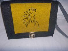 Mädchentasche,Beutelhuhn,Pferdekopf ,Wollfilz,anthrazit,gelb,Designfilz
