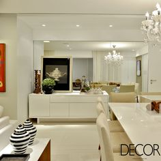 Idealizado pelo escritório Argollo & Martins | Arquitetos Associados, décor traz ares minimalistas, mas, ao mesmo tempo, sofisticados a apartamento em Salvador.