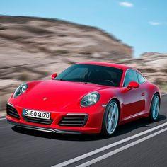 Porsche 911 Carrera: recall mundial também atinge o Brasil Marca alemã convocou inspeção em 16.429 veículos ao redor do mundo incluindo os modelos 911 Carrera 718 Boxster e 718 Cayman. A Porsche vai substituir parafusos de fixação para os tubos coletores de combustível. Na oficina o parafuso de fixação será substituído por um parafuso otimizado. Esta é uma medida puramente preventiva.  Dos 16 mil convocados apenas 73 encontram-se no Brasil. Os proprietários dos veículos serão comunicados…