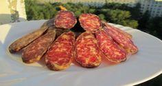 A házi készítésű szaláminak nincs párja! Te is elkészítheted! Sausage Recipes, Cooking Recipes, Hungarian Recipes, Girls Blouse, Bacon, Healthy Living, Food And Drink, Bubbles, Homemade