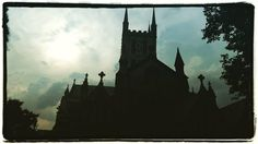 Light behind the dark  www.couchflyer.com #southwark #londonbridge #london #greatbritain #england  #silouette #church #europe