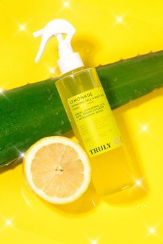 QUENCH 💦🍋 your skin with Lemonade 💛⭐️ A hydrating face + body mist ✨ formulated with lemon extract, hyaluronic acid, aloe, vegan collagen, and an antioxidant boost! 𝗟𝗜𝗠𝗜𝗧𝗘𝗗 𝗘𝗗𝗜𝗧𝗜𝗢𝗡 𝗜𝗧𝗘𝗠--shop the link in bio to secure yours! Lemon Extract, Beach Ready, Body Mist, Hyaluronic Acid, Face And Body, Collagen, Lemonade, Aloe, Mists