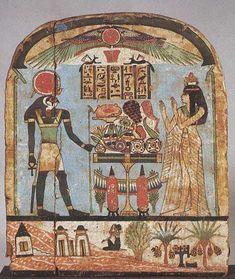 Estela de Diedamoniuanj, 3er P.Int. Las estelas votivas junto con los papiros de los Libros de los Muertos, son los soportes pictóricos. En ellas se acostumbra a representar al personaje fallecido en presencia de diversas divinidades. En el caso de la de Diedamoniuanj, de vivo colorido, en la escena superior aparece la donante ante un altar de ofrendas, tras el que se sitúa el dios Re-Horakte, y en la inferior tumbas tebanas, delante de las cuales una mujer sentada llora y mesa los cabellos.