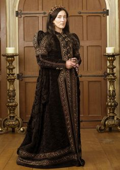 Maria Doyle Kennedy/ Queen Catherine of Aragon The Tudors Los Tudor, Tudor Era, Tudor Costumes, Movie Costumes, Period Costumes, Rey Enrique Viii, Katharina Von Aragon, The Tudors Tv Show, Isabel I