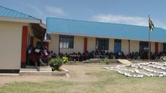 Construction and renovation of old classes for pupils in Abimbo primary school.