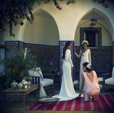 Hoy os dejamos una imagen de nuestras novias Panambi! Vestidos que no dejan indiferente a nadie con detalles espectaculares que realzan la calidad de nuestros tejidos.