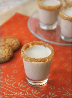 Because of Madalene: Pumpkin Pie Shots 2 jiggers Bailey's Irish Cream 2 jiggers Vanilla Vodka cup pumpkin puree tsp ground cinnamon tsp ground nutmeg pinch ground cloves cup crushed ginger snap cookies (gluten free from Trader Joe's) cup coconut milk Holiday Drinks, Party Drinks, Fun Drinks, Yummy Drinks, Alcoholic Drinks, Yummy Food, Holiday Ideas, Alcoholic Cupcakes, Party Shots