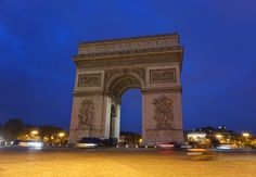 November chills in Paris - Backpack Globetrotter Latin Quarter, Triomphe, Air France, George Washington Bridge, Luxury Shop, Arc, Tour Eiffel, City Lights, Art Museum