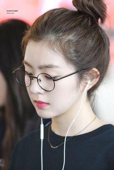 the front page of the internet Irene Red Velvet, Red Velvet アイリーン, Red Velvet Photoshoot, Cute Korean Girl, Velvet Fashion, Soyeon, Sooyoung, Seulgi, Beautiful Asian Girls
