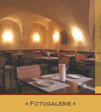 Bodega Marques - Lokal Vienna, Restaurants, Table, Furniture, Home Decor, Pictures, Decoration Home, Room Decor, Restaurant