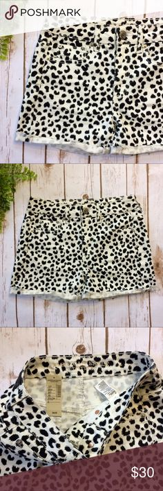 """Animal Print Distressed Denim Cut Off Shorts NWT black and white animal print shorts with Distressed cuffs.   🍍 Waist: 29"""" 🍍 Inseam: 3"""" 🍍 Front Rise: 9.5"""" 🍍 Back Rise: 12""""  🍍 Fabric Content: 71% cotton, 27% polyester, 2% elastane American Eagle Outfitters Shorts Jean Shorts"""