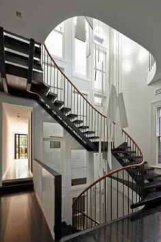 Déco cage escalier : plus de 50 intérieurs modernes et contemporains