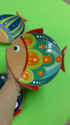 Cuadros Fish Crafts, Rock Crafts, Clay Crafts, Slab Pottery, Ceramic Pottery, Pottery Art, Ceramic Clay, Ceramic Painting, Clay Fish