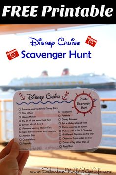 Here's a Free Printable for an easy Fish Extender gift. A Disney Cruise Photo Scavenger Hunt is something everyone can enjoy! #DisneySMMC