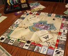 If someone made this for me they'd be my favorite person. Wizard's Monopoly (Harry Potter Monopoly)