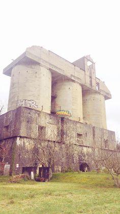 Silo à grains abandonné, Izeste (vallée d'Ossau, 64)