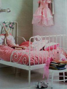 Leuke idee n meisjeskamer girls room on pinterest girl rooms kids rooms and vans for Meisje slaapkamer idee