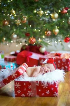 45 Baby Christmas Picture Ideas - Capture Holiday Joy Guide) - Baby Pictures , 45 Baby Christmas Picture Ideas - Capture Holiday Joy Guide) Newborn Christmas Photos - Newborn in a Present Newborn Christmas Pictures, First Christmas Photos, Babies First Christmas, Newborn Pictures, Christmas Images, Baby Pictures, Christmas Ideas, Holiday Ideas, Christmas Holidays