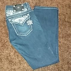 Miss me jeans! Fantastic condition! Size 28 slim boot cute! No signs of wear :) Miss Me Pants Boot Cut & Flare