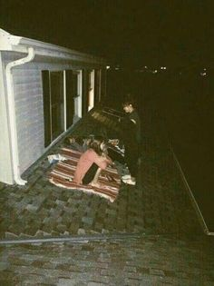 james sirius potter, molly weasley ii and roxanne weasley. Night Aesthetic, Summer Aesthetic, Best Friend Pictures, Friend Photos, Summer Nights, Summer Vibes, Best Friend Goals, Best Friends, Fotografia Retro