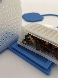 Theezakje gemaakt van levensmiddel veilige siliconen. Leuk om te zien en handig in gebruik. `perfect voor losse thee, maar ook groot genoeg voor een theezakje zonder koortje. Groot, Om