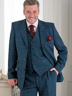 HARRIS TWEED JACKET MARINE - Only 100% wool tweed fabric, hand woven on Lewis, Harris, Uist and Barra can bear the name Harris Tweed and this jacekt in marine bears it with pride. Also available in Burdock, Lichen, Mist
