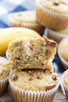 Cream Cheese Banana Muffins - this EASY banana muffin recipe is my favorite and FULL of a sweet cream cheese mixture! Everyone loves these muffins! Banana Muffin Recipe Easy, Banana Bread Muffins, Easy Banana Bread, Chocolate Banana Bread, Banana Bread Recipes, Muffin Recipes, Pancake Muffins, Breakfast Muffins, Morning Breakfast