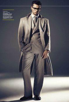ダブルスーツの着こなし・コーデ 1/7 | メンズファッションスナップ フリーク - 男の着こなし術は見て学べ。
