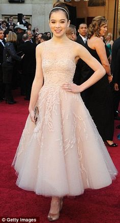 Hailee Steinfeld in Marchesa gown and Ferragamo clutch & heels at the 2011 Oscars, February 2011
