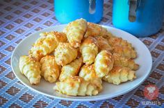 Fotorecept: Syrové slimáky Pizza, Snack Recipes, Snacks, Russian Recipes, Cauliflower, Shrimp, Appetizers, Food And Drink, Sweets