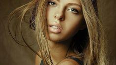 девушка, блондинка, лицо, майка, милая, красивая, сексуальная, симпатичная, секси, стройная, милашка, няшка 1280 x 720