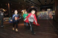 Superman, Batman, Wonder Women ve Green Lantern…  Çocuklar, Marmara Forum'da süper kahramanların güçlerini ödünç alıyor;  Adalet Şehri'ni kötü güçlerden kurtarıyor.